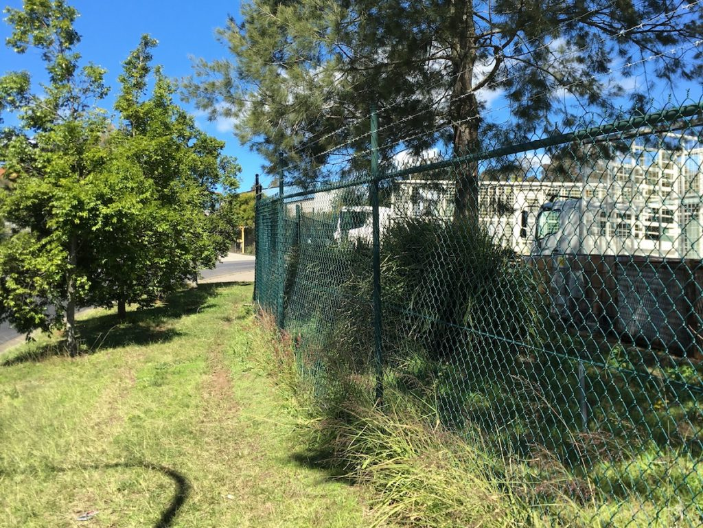 singleton chain wire fencing